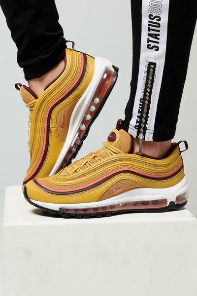 2afdde855a5 Women s Nike Footwear - Culture Kings – Tagged