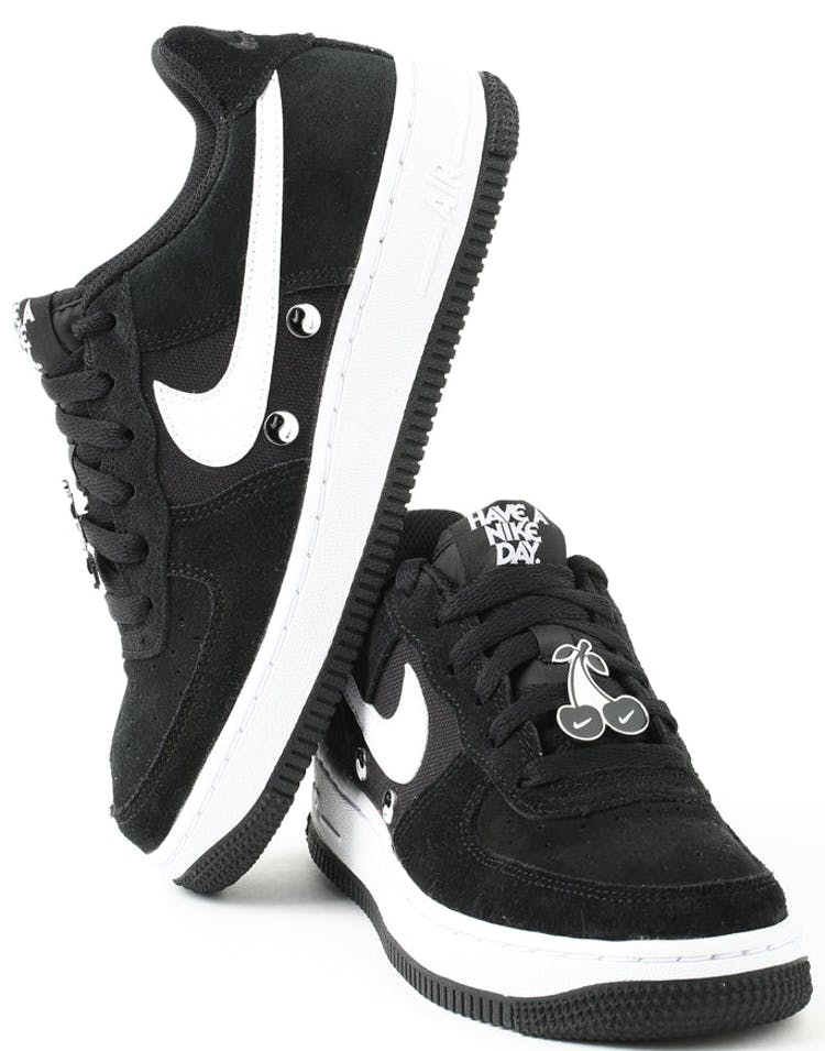 big sale ee050 37727 Nike Air Force 1 LV8 NK DAY (GS) Black White – Culture Kings