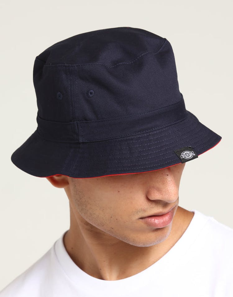b61ef290 Dickies Stamford Reversible Bucket Hat Navy/Red – Culture Kings