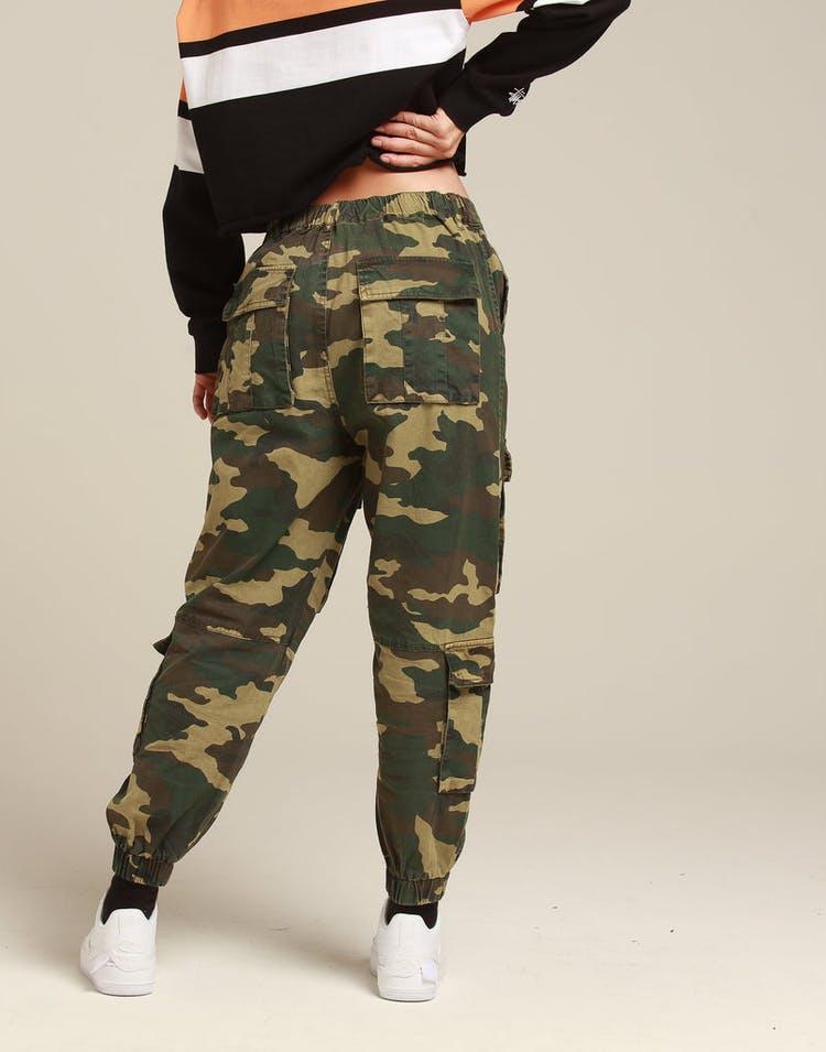 88733426 Stussy Women's Hunt Cargo Pant Green Camo
