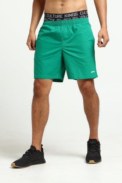 Stussy Basic Italic Beachshort Kelly Green