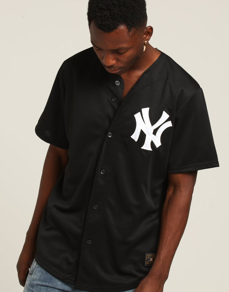 wholesale dealer ac7ad b1357 Majestic Athletic New York Yankees Replica Baseball Jersey Black