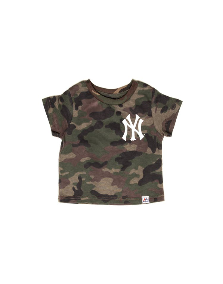 539bc27c Majestic Athletic Infant New York Yankees Team Logo Tee Camo/White