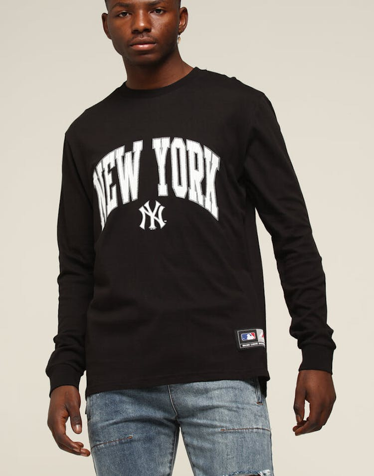 new arrival 03920 f767a Majestic Athletic New York Yankees Zavaller LS Tee Black