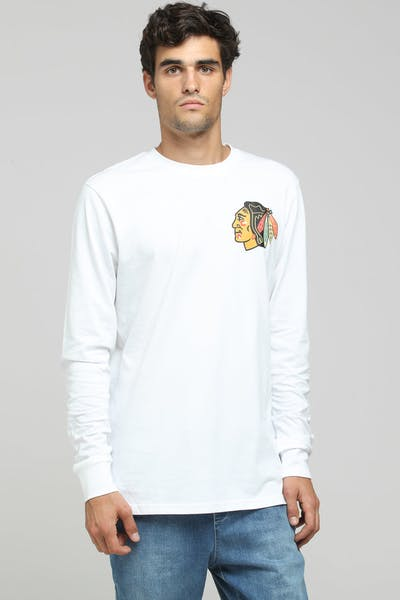 Majestic Athletic Chicago Blackhawks NHL C Crest L/S Tee White