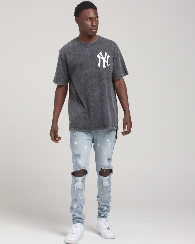 MAJESTIC ATHLETIC NEW YORK YANKEES BICESTER SS TEE WASHED BLACK