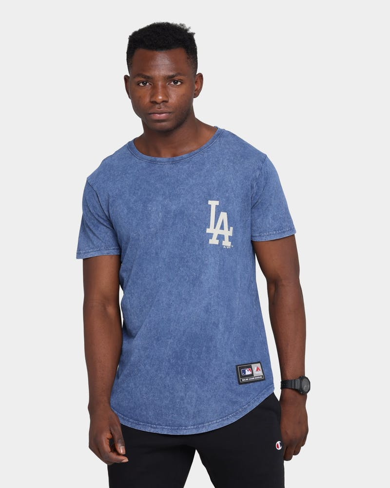 Majestic Athletic Los Angeles Dodgers Kurent Scoop Hem T-Shirt Snow Wash