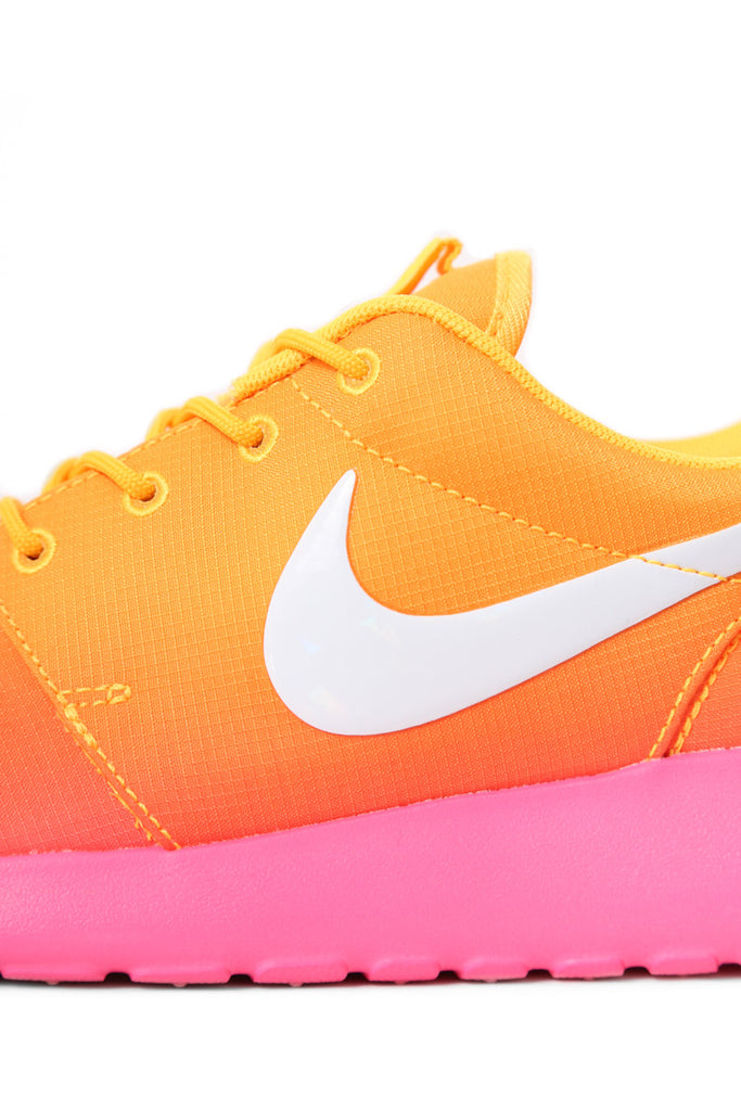 53253a7f3049 ... canada the iconic nike roshe run silhouette has been made into a  slimmer trimmer womens shape ...