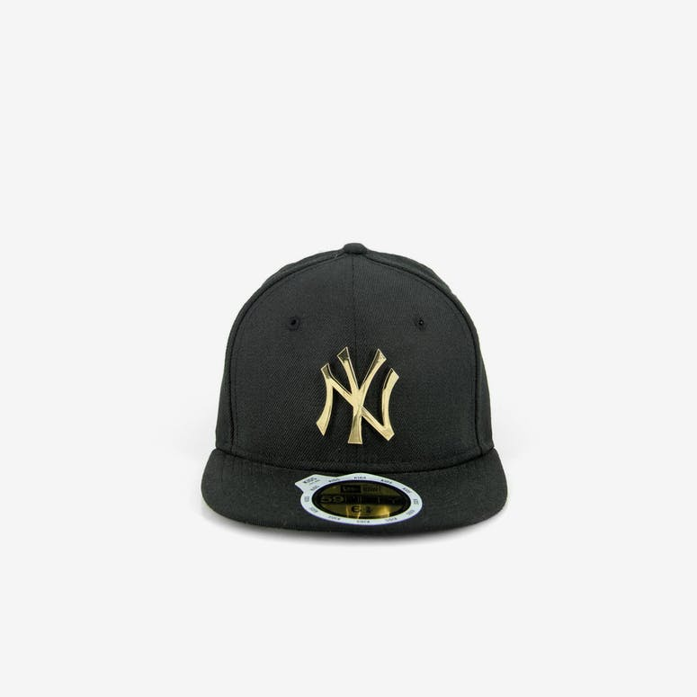 58a81070897 New Era Yankees Kids Metal Badge Black gold – Culture Kings