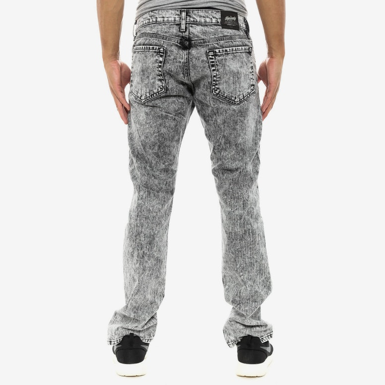 the Mineral Wash Jean Black
