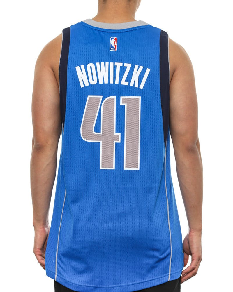 Mavericks 41 Nowitzki SM Royal