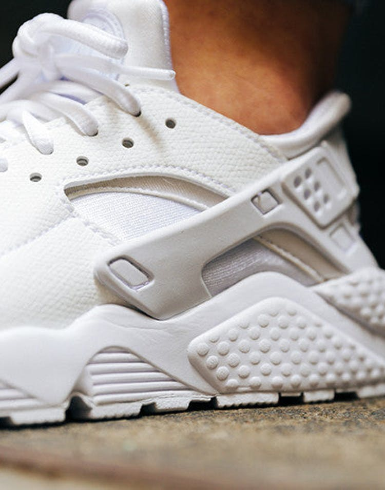 watch a49b1 ccf82 Women's Air Huarache Run White/white