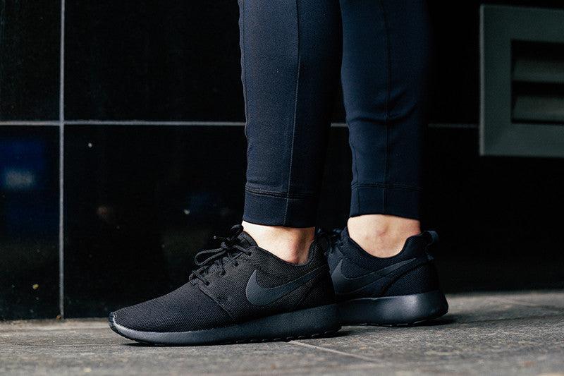 Women's Nike Roshe One Blackblack