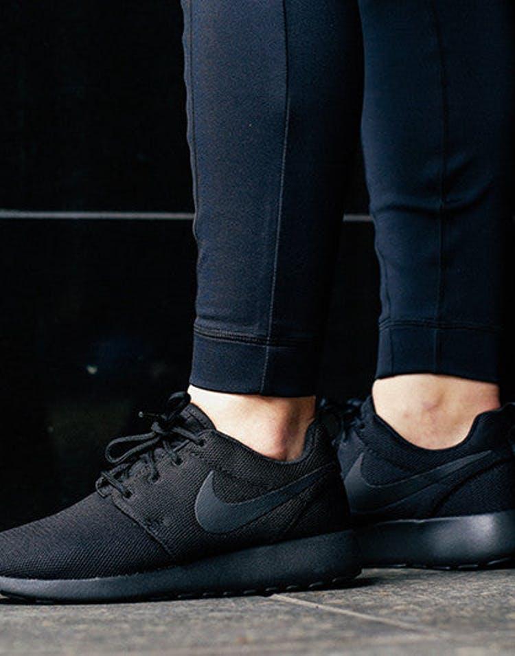 finest selection 63df1 30dae Women's Nike Roshe One Black/black
