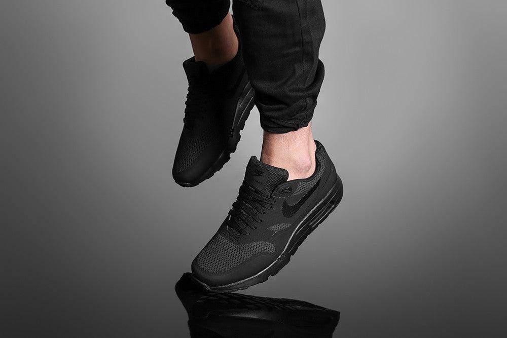 nike air max 1 ultra essential black black