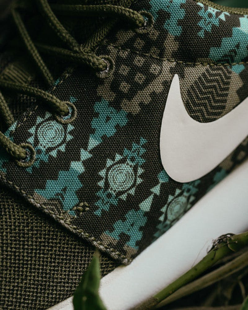 Roshe One Print Olive/white