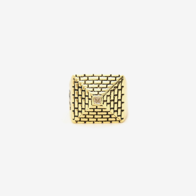 Her Pyramid Ring Gold