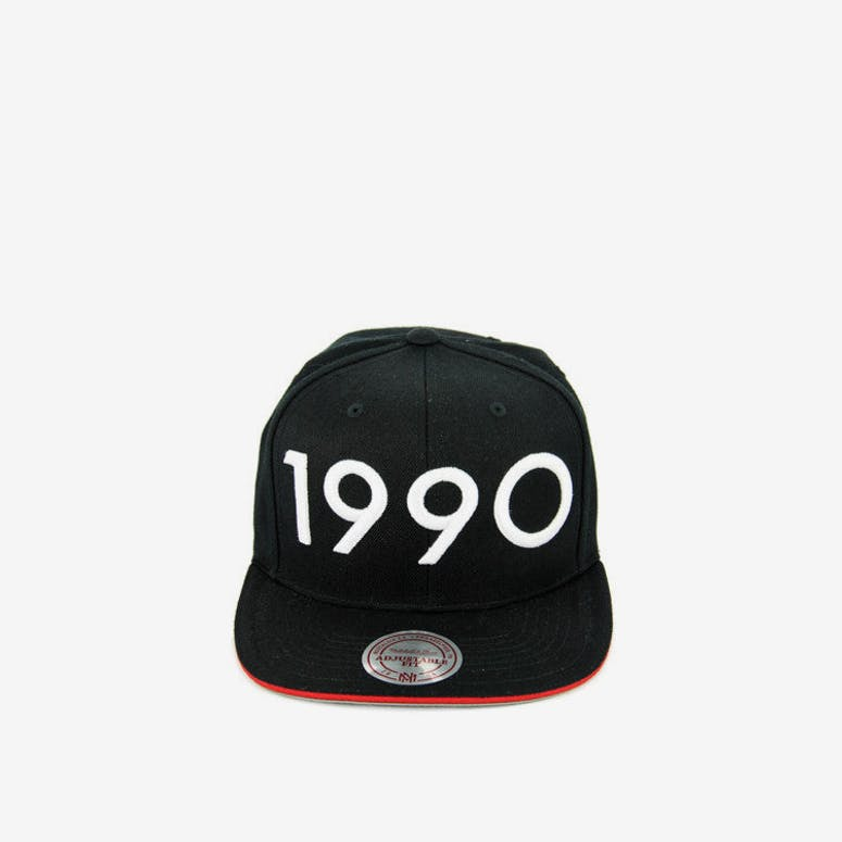 Mitchell   Ness Bulls 1990 Snapback Black white – Culture Kings fbf7488842b1