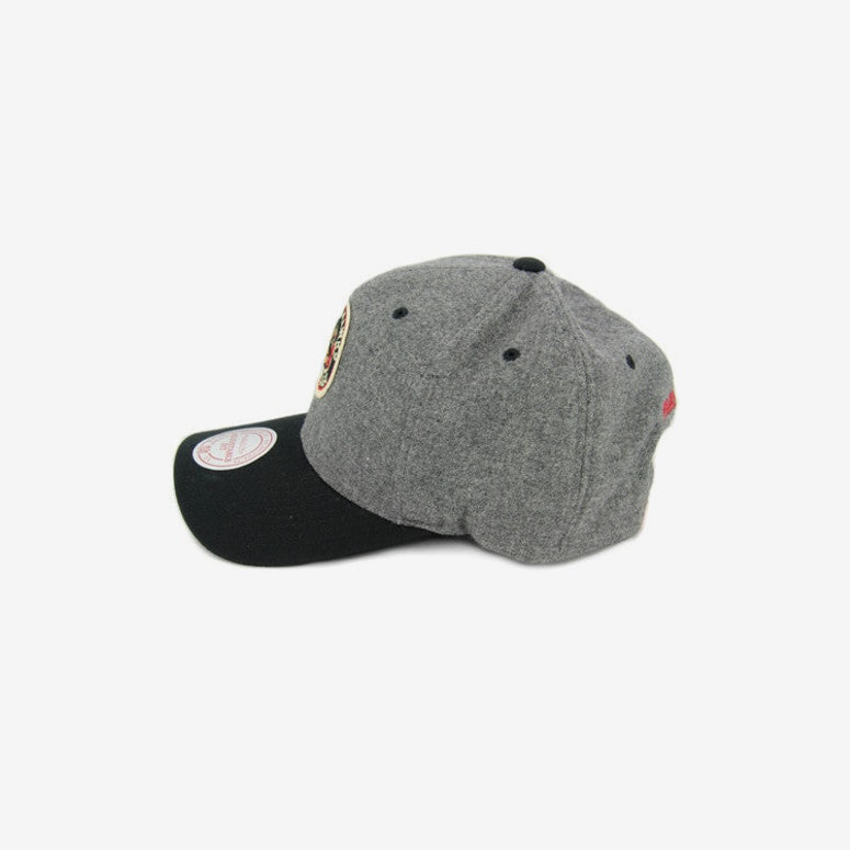 Blackhawks 2tone 110 Curved Grey/black
