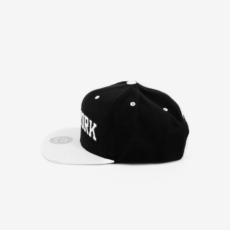 Knicks Alert Snapback Black/white