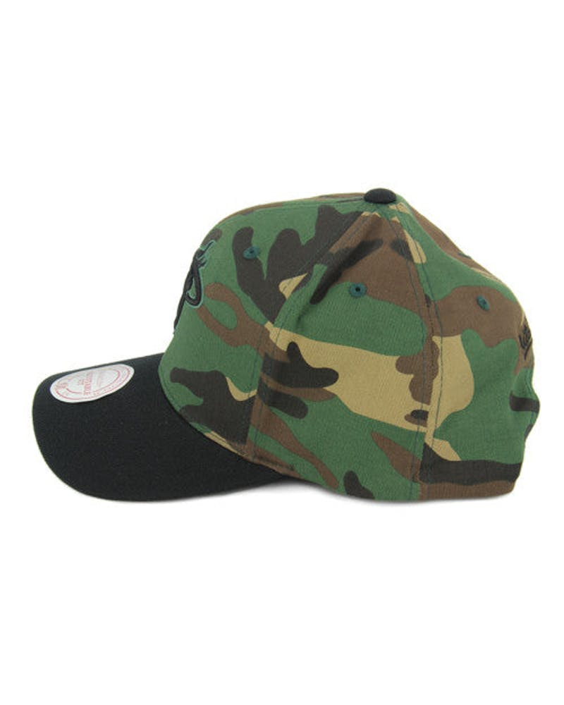 Heat 110 Camo Curved Snapback Camo/black
