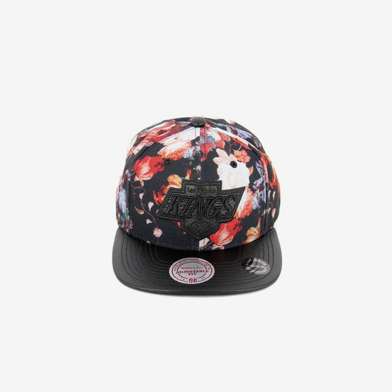 4eb17f91bb0 Mitchell   Ness LA Kings Snapback Floral black – Culture Kings