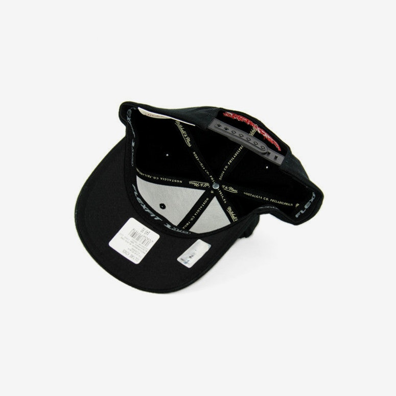 Blackhawks B&w Logo 110 Snapback Black