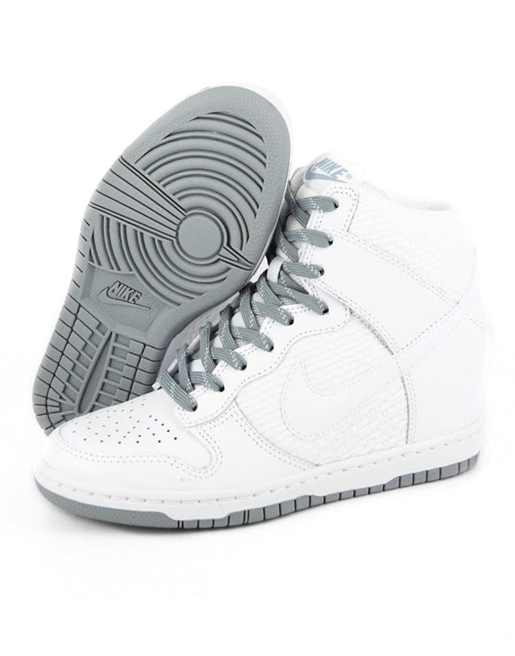 newest b9739 3985e Womens Dunk Sky HI Essent White grey