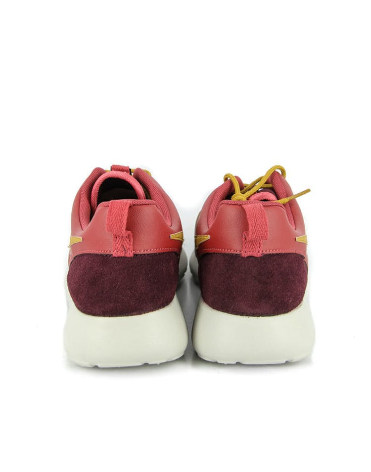399482f917e4 Nike Rosherun Premium Red burgundy – Culture Kings