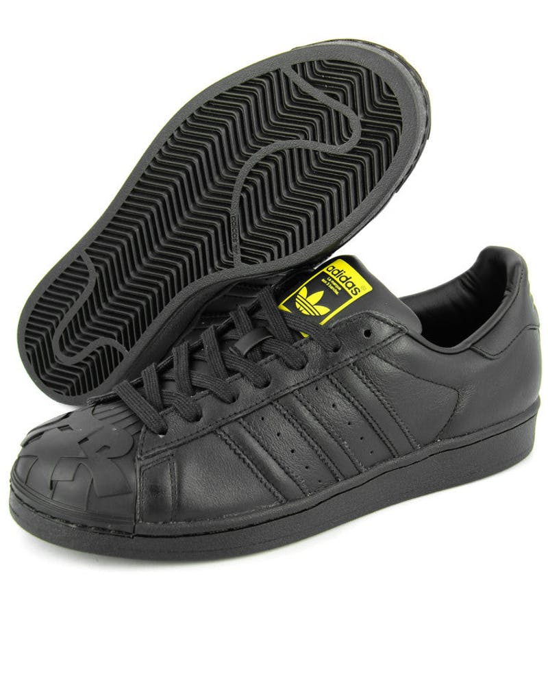 Superstar Pharrell TJ Black/yellow