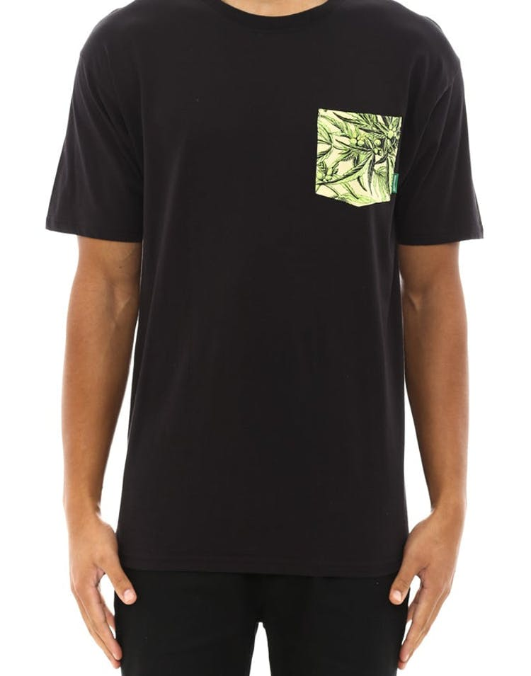 Leaf Pocket Tee Black