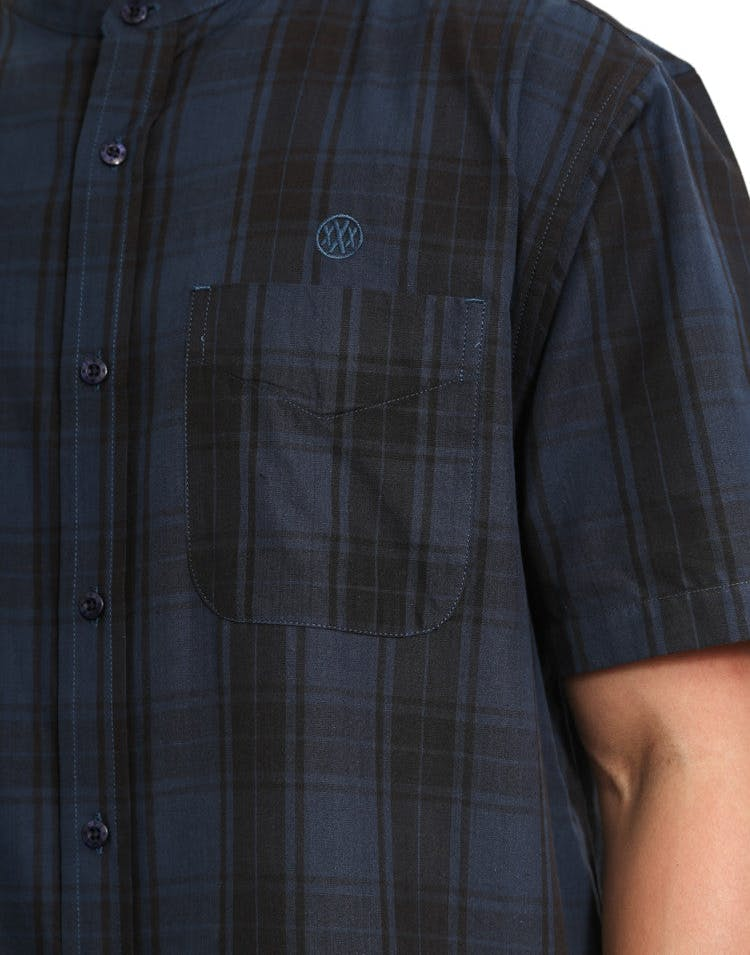 Hamilton Stand Button-up Navy